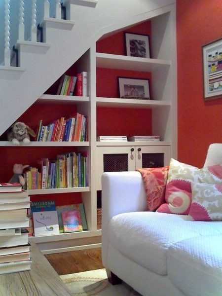 Beautiful Shelves Under Stairs