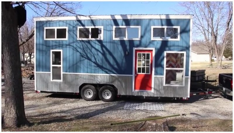 frontend tiny trailer house