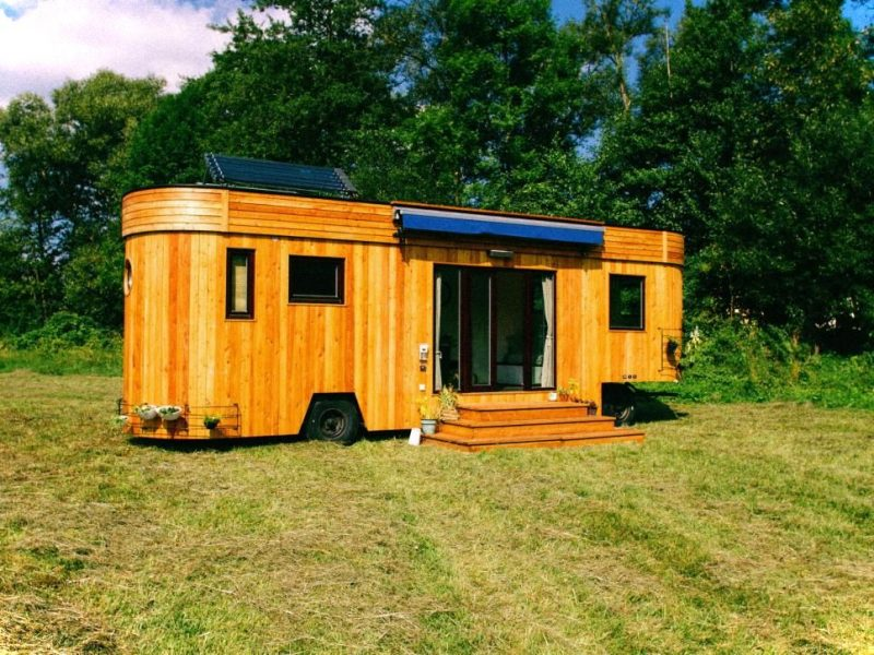 Hgtv Tiny House On Wheel With Natural Exterior