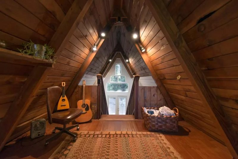 Perfect retreat in a frame tiny cabin you 39 ll love it for Cabin loft bedroom ideas
