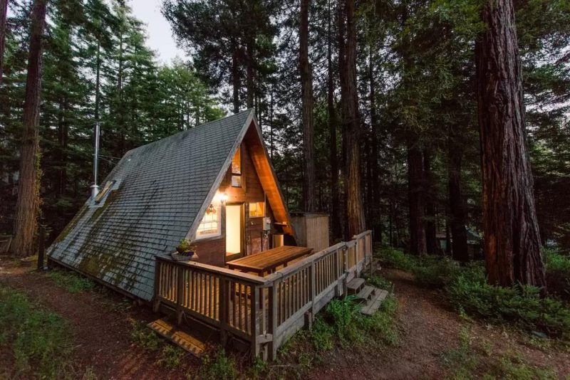 Perfect retreat in a frame tiny cabin you 39 ll love it small house decor Small house cabin
