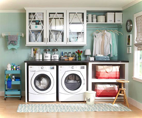 Laundry room decor ideas for small spaces small house decor for Decorate a laundry room