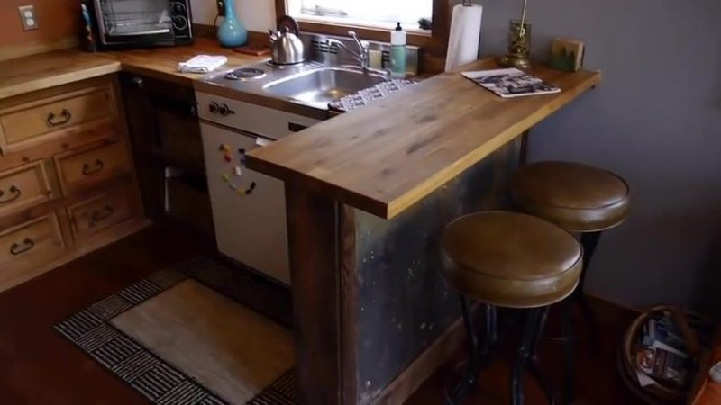 Garage Rustic Tiny House - Mini Bar