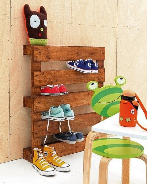 Simple Pallet Shoe Rack
