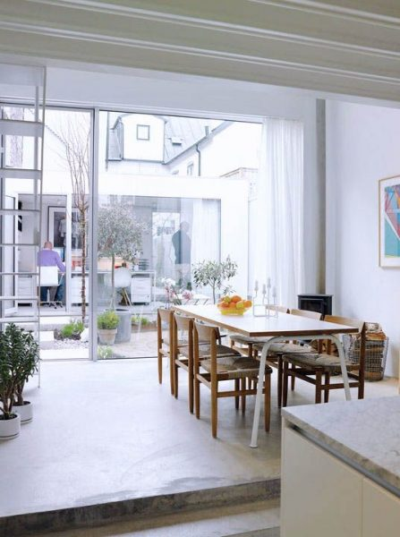 Small Modern House Dining Room