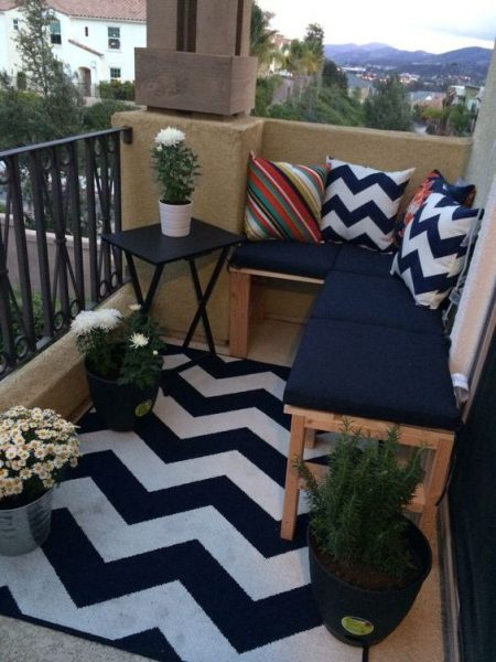 Stripped Zigzag Balcony Ideas