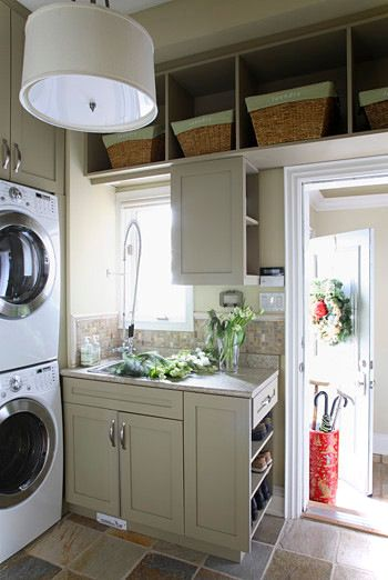 Traditional Laundry Room Decor