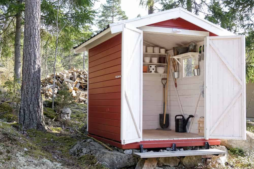 Garden Sheds That Will Bring Appeal To Your Backyard 2