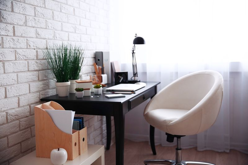 Modern Home Office Ideas to Enhance Your Office Space 2