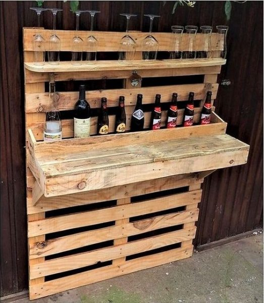 Shipping Pallets Bar DIY Projects