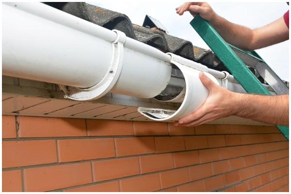 When to Replace Gutters